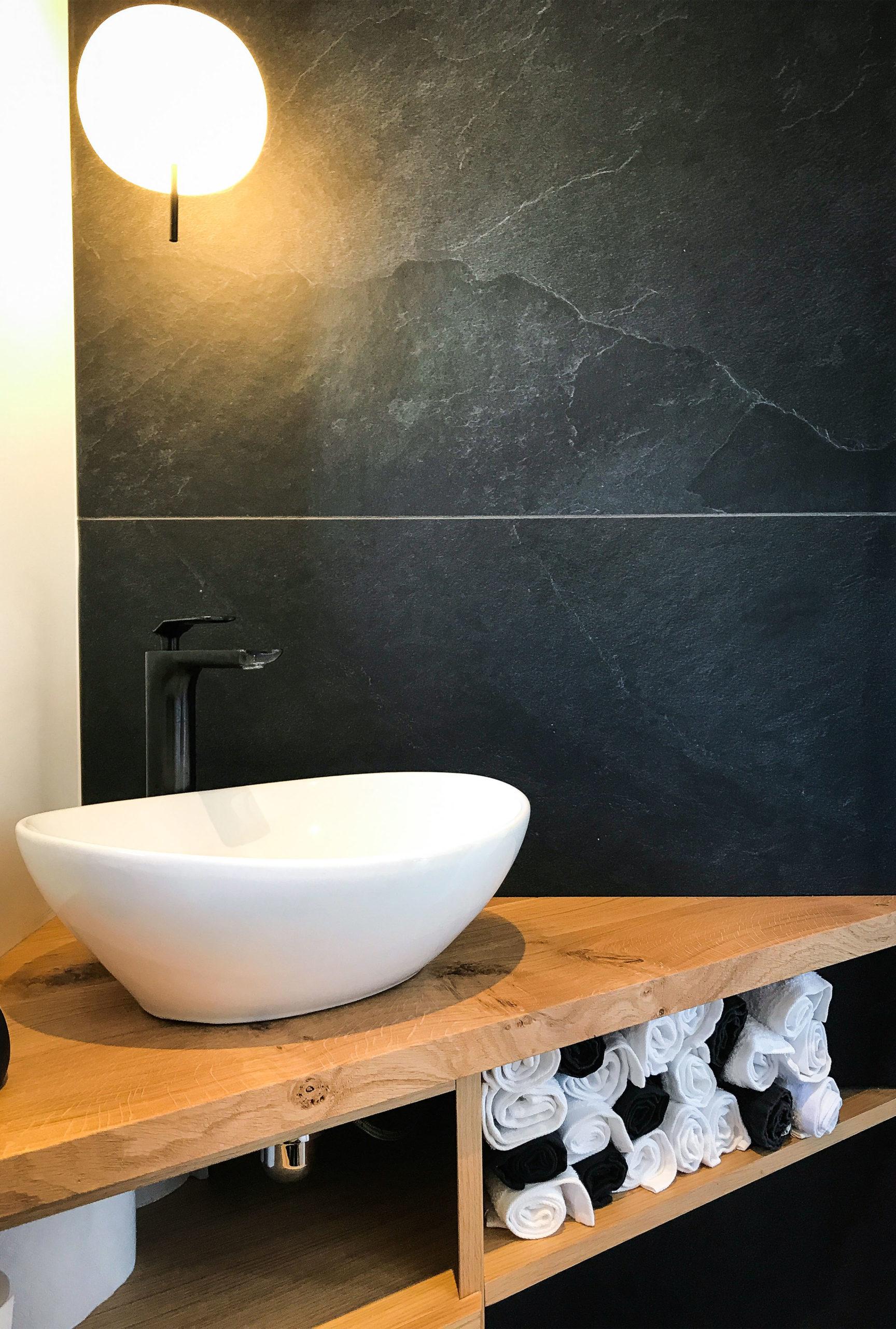 image salle de bain vasque renovation de haut vol LR Architectes